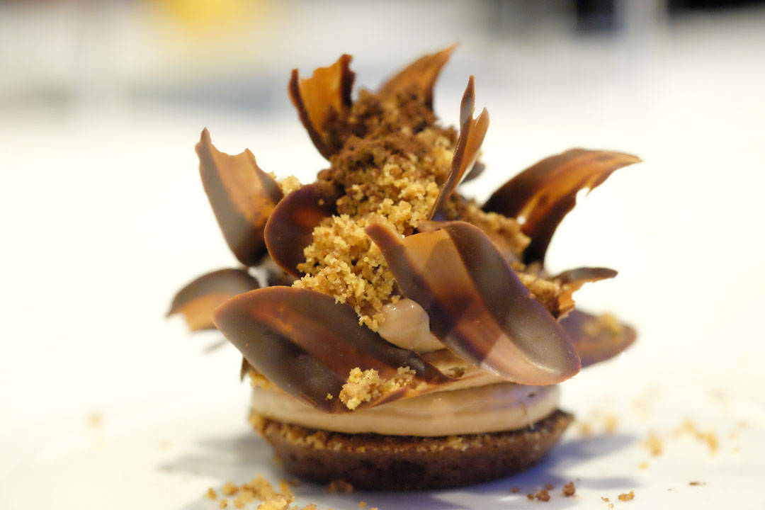 """Jeg bare sier... Chocolate """"Moelleux"""" Azelia 35% Whipped Ganache. Hazelnut and Cookie Crumble"""