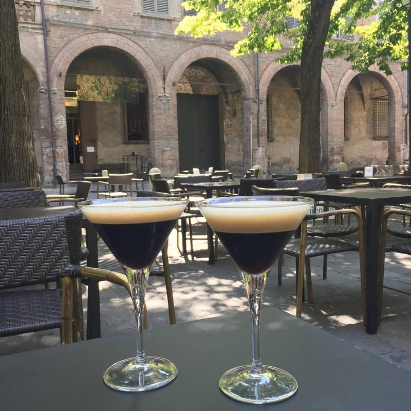 Ser ut som en cocktail. Er ikke det, men en supergod iskaffe, italian style.