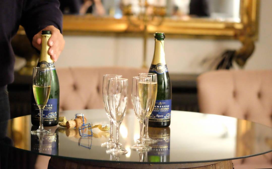Litt champagne før lunsj er aldri feil.