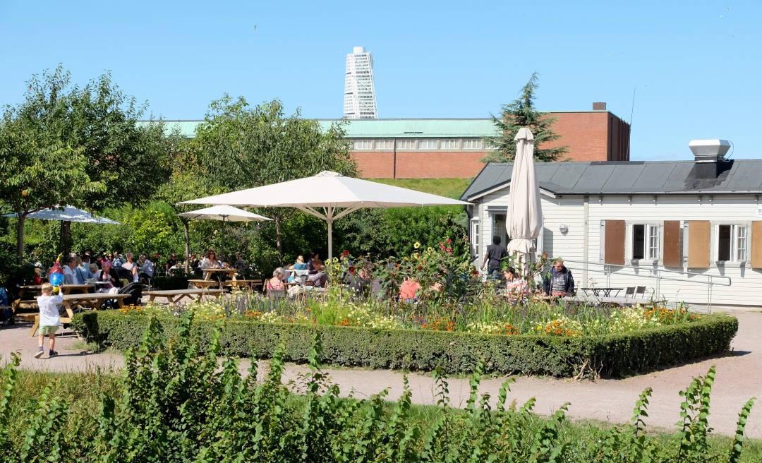 Idylliske Slottsträdgårdens kafé i Malmø.