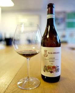 Vajra Langhe Rosso er en klassiker som alltid er god. Koster kr. 146,90 og er mye vin for pengene.