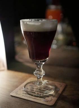 Dead Rabbits Irish Coffee er ikke som andre Irish Coffees. Den er raffinert.