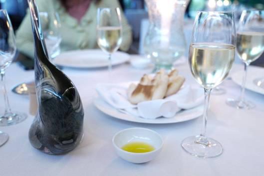 Pain main de Nice er et lokalt brød laget som en hånd.