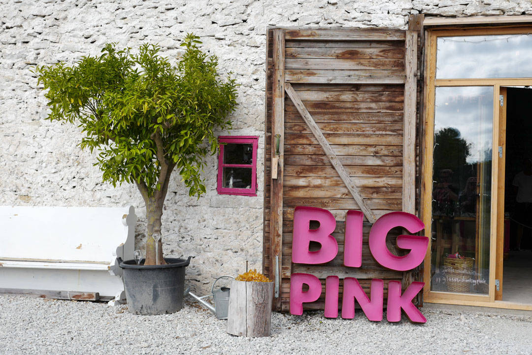 Big Pink, Fish in glass, glass blowing chef