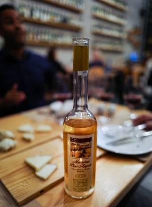 Dessertvin fra Santorini laget på en glemt druesort, mavrotragano