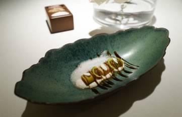 Vinaigrette Leek. Purre i eddik er en klassisk tapasrett, og dette er deres versjon og den serveres med mandelkrem.