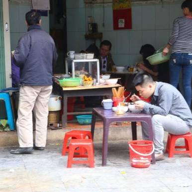 Tid for Frokost. Bildet er tatt i Hanoi.