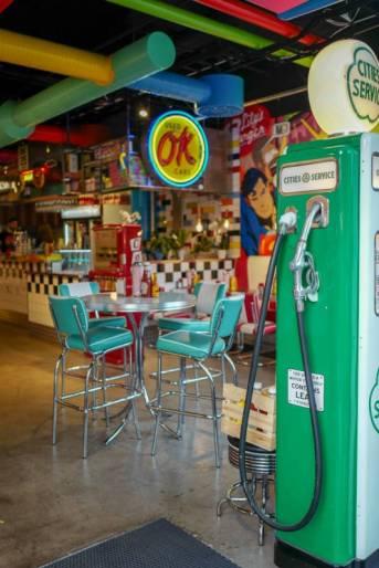 Koselig på Stortorget. Her en amerikansk burgerbar.