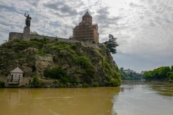 Tbilisi_Georgia_amberwine_orangewine_helleskitchenL1480088Tbilisi_georgia_amber_wine_helleskitchen