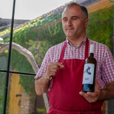 Tbilisi_Georgia_amberwine_orangewine_helleskitchenL1480680Tbilisi_georgia_amber_wine_helleskitchen