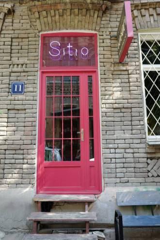Tbilisi_Georgia_amberwine_orangewine_helleskitchenL1480803Tbilisi_georgia_amber_wine_helleskitchen