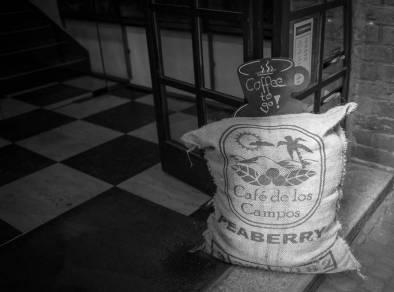 I det gamle kaffelokalet ligger det nå en .... kaffebutikk!
