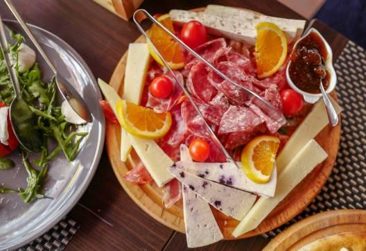 Lokale oster og skinker