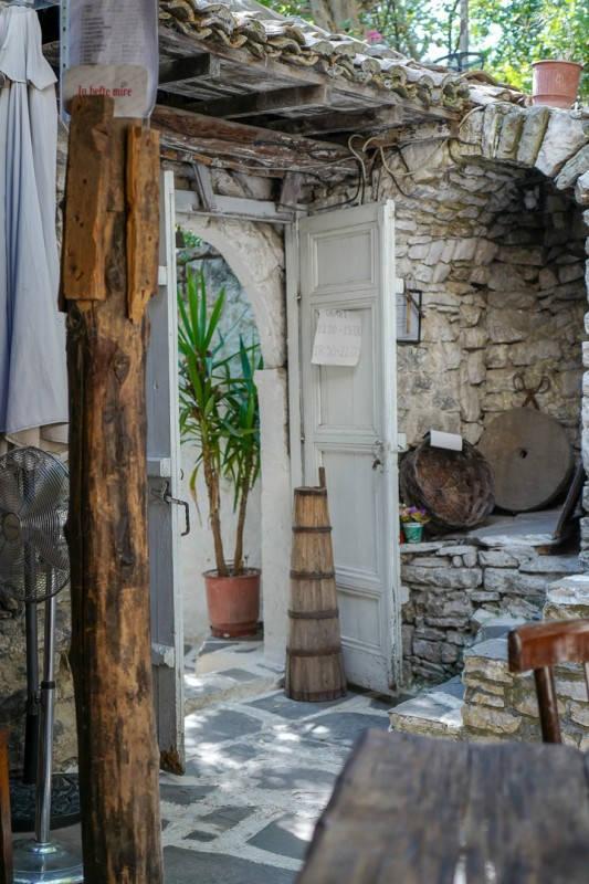 Albania_helleskitchen_tiranaL1540321