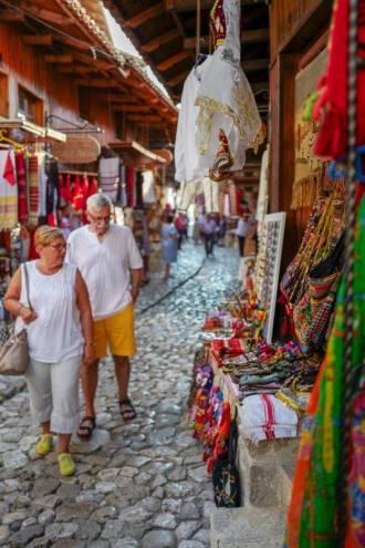 Albania_helleskitchen_tiranaL1540514