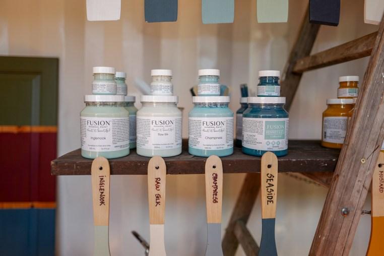 Maling med mening selger miljøvennlig maling.