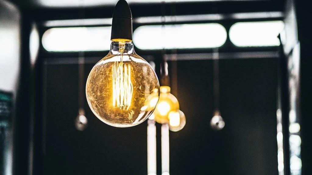 Ampoule E27 à bulle