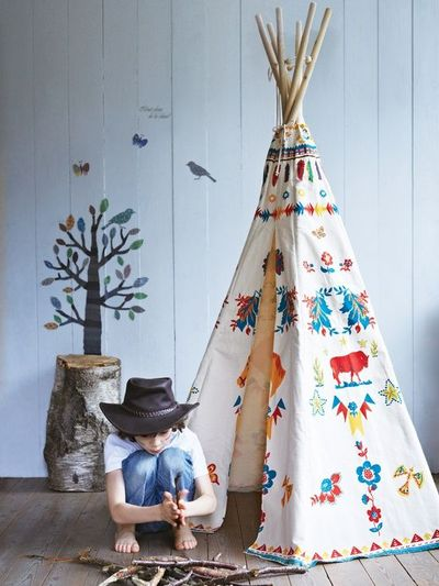 o trouver un tipi ou une tente d 39 int rieur pour la chambre des enfants. Black Bedroom Furniture Sets. Home Design Ideas