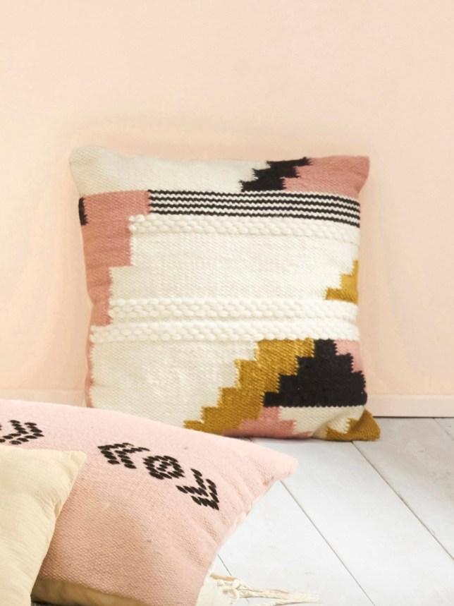 o trouver un coussin ethnique et boh me. Black Bedroom Furniture Sets. Home Design Ideas