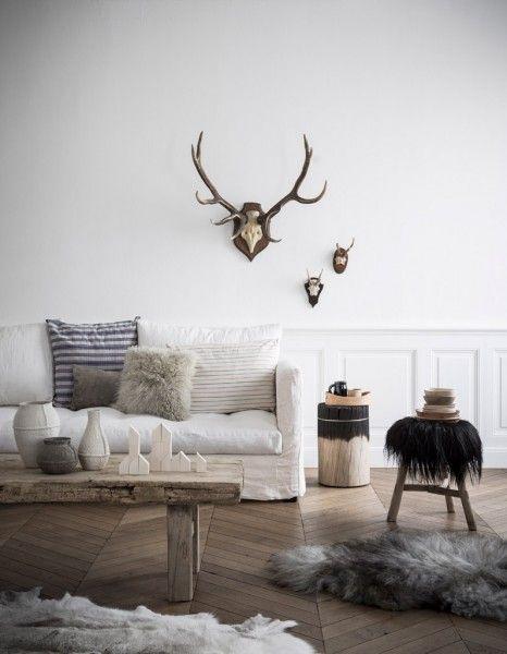 Décorer Un Mur Blanc // Hëllø Blogzine Blog Deco U0026 Lifestyle Www.hello  Inspirations De Conception