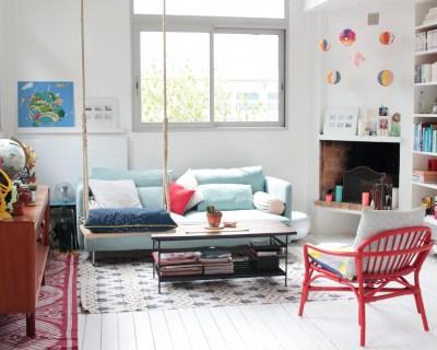[HOME TOUR] Découvrez l'univers créatif de @cachemireetsoie sur le blog hello-hello.fr // We are featuring @cachemireetsoie 's creative apartment on the blog today hello-hello.fr #cachemireetsoie #parisianinterior #diy