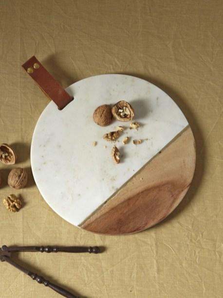Planche à découper marbre et bois // Hëllø Blogzine blog deco & lifestyle www.hello-hello.fr