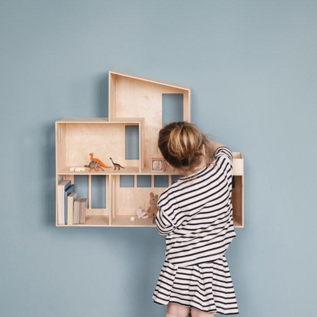 Maison de Poupée // Hëllø Blogzine blog deco & lifestyle www.hello-hello.fr #dollhouse #kids #kidsroom
