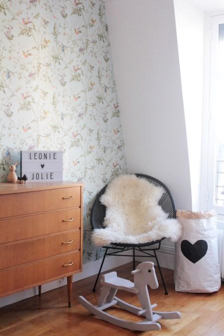 La chambre de Léonie. Déco chambre fille, romantique et vintage // Hëllø Blogzine blog deco & lifestyle www.hello-hello.fr #vintage #scandinavian