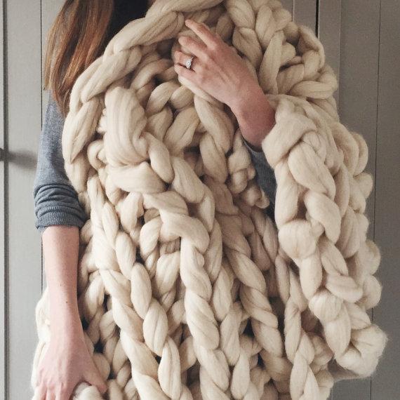 Plaid Laine XXL // Hëllø Blogzine blog deco & lifestyle www.hello-hello.fr #wool #xxl #chunky