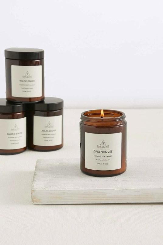 15 bougies parfum es pour r chauffer subtilement la maison. Black Bedroom Furniture Sets. Home Design Ideas