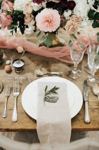Love Etc. 2016 © Love Etc. Yann Audic Lifestories Wedding // Hëllø Blogzine blog deco & lifestyle www.hello-hello.fr #wedding #frenchwedding #weddingfair