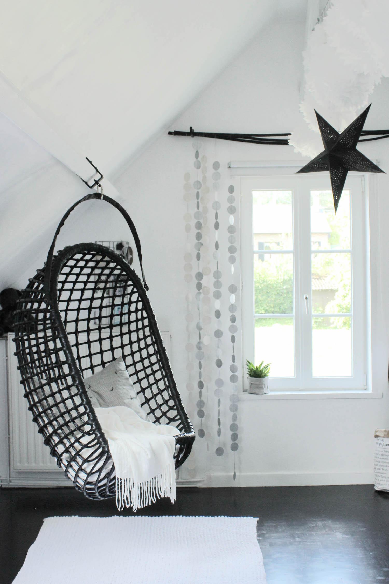 La chambre d\'ado tendance et moderne en noir et blanc de ...