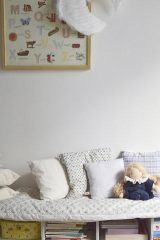 Une chambre de fille poétique et romantique // Hëllø Blogzine blog deco & lifestyle www.hello-hello.fr