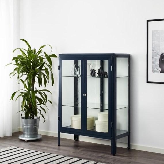o trouver une armoire ou un buffet vitrine. Black Bedroom Furniture Sets. Home Design Ideas
