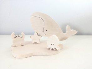 Jolis jouets en bois Animaux Marins Baleine albinos craquante // Hëllø Blogzine blog deco & lifestyle www.hello-hello.fr
