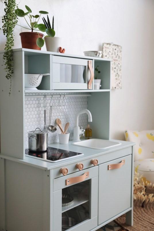 Ikea Hack : La cuisine pour enfant Duktig en mode Urban Jungle // Hëllø Blogzine blog deco & lifestyle www.hello-hello.fr