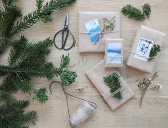 DIY Des paquets cadeaux style kinfolk, simplement avec du kraft et des photos // Hëllø Blogzine blog deco & lifestyle www.hello-hello.fr