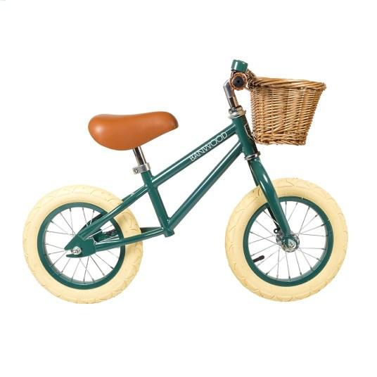 Joli vélo enfant - Idées cadeaux de noël enfants mixte // Hëllø Blogzine blog deco & lifestyle www.hello-hello.fr