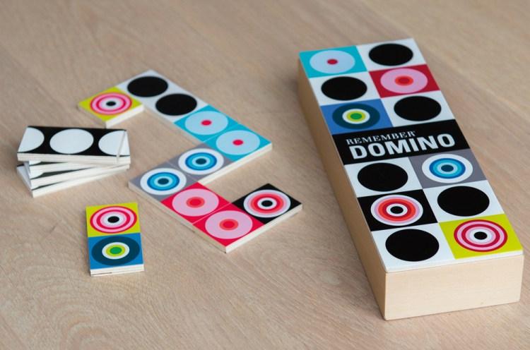 Domino - Idées cadeaux de noël enfants mixte // Hëllø Blogzine blog deco & lifestyle www.hello-hello.fr