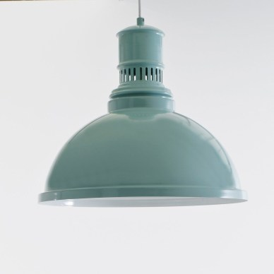 Lampe industrielle bleue // Hëllø Blogzine blog deco & lifestyle www.hello-hello.fr