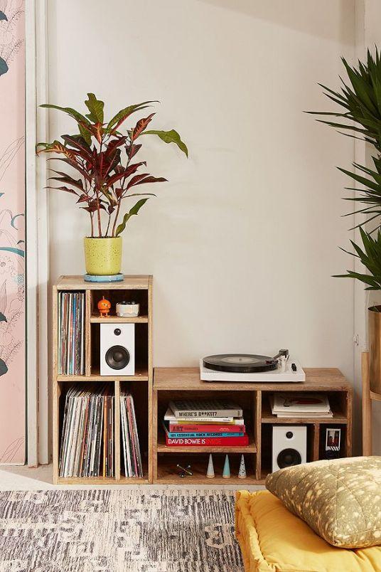 o trouver de jolis meubles de rangement pour nos vinyles. Black Bedroom Furniture Sets. Home Design Ideas