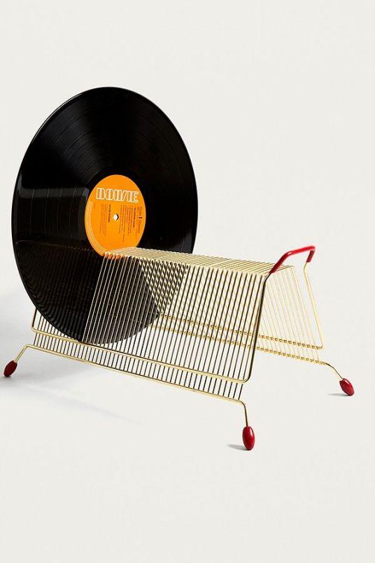 Meuble à vinyles // Hëllø Blogzine blog deco & lifestyle www.hello-hello.fr