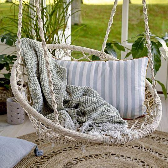 Où trouver de jolies assises pour buller en suspension // Hëllø Blogzine blog deco & lifestyle www.hello-hello.fr