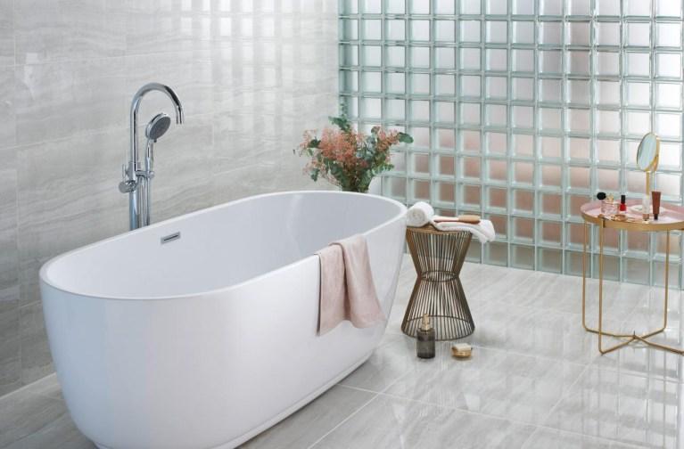 Comment bien aménager une salle de bain dans une suite ...