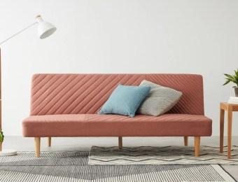 Un beau canapé convertible - Convertible sofa // Hellø Blogzine - Blog déco Lifestyle - www.hello-hello.fr