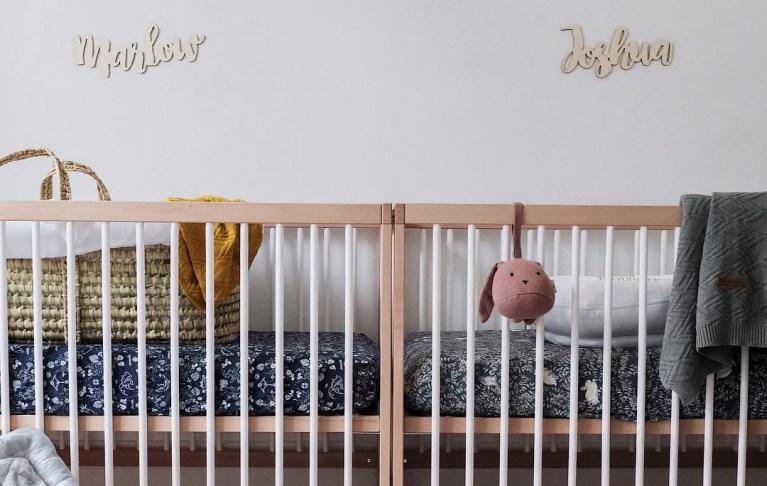 Astuces déco pour aménager une chambre de jumeaux - How to decorate with twin beds // Hellø Blogzine blog deco & lifestyle www.hello-hello.fr #twins #twinbed