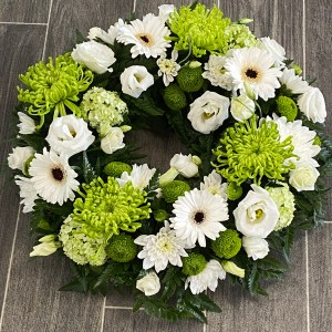 Green & White Classic Wreath