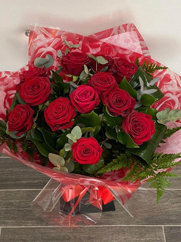 Perfect dozen Roses Flower Bouquet