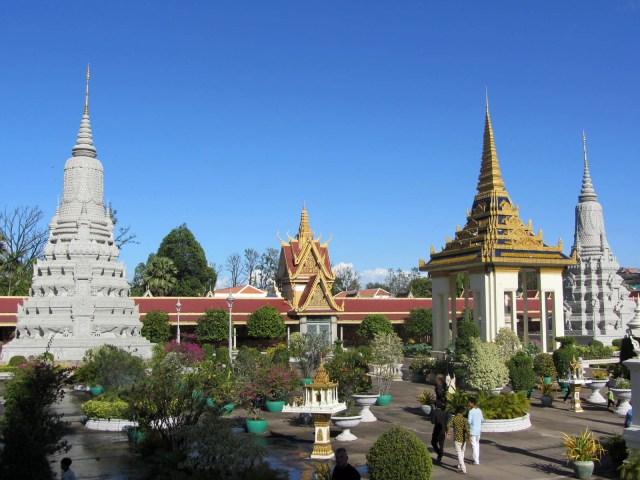 silver-pagoda-view