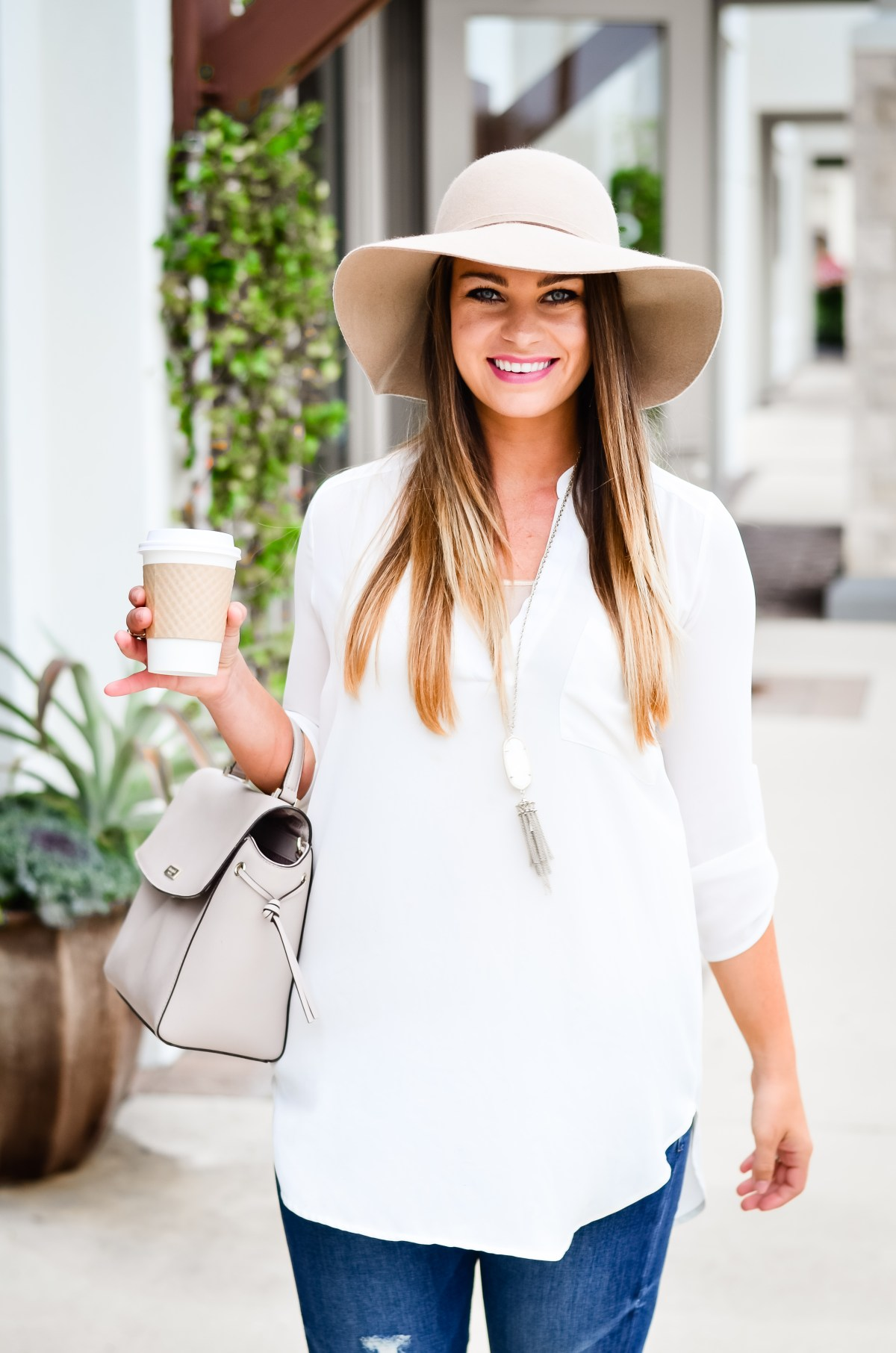 white-tunic-distressed-denim-floppy-hat-19